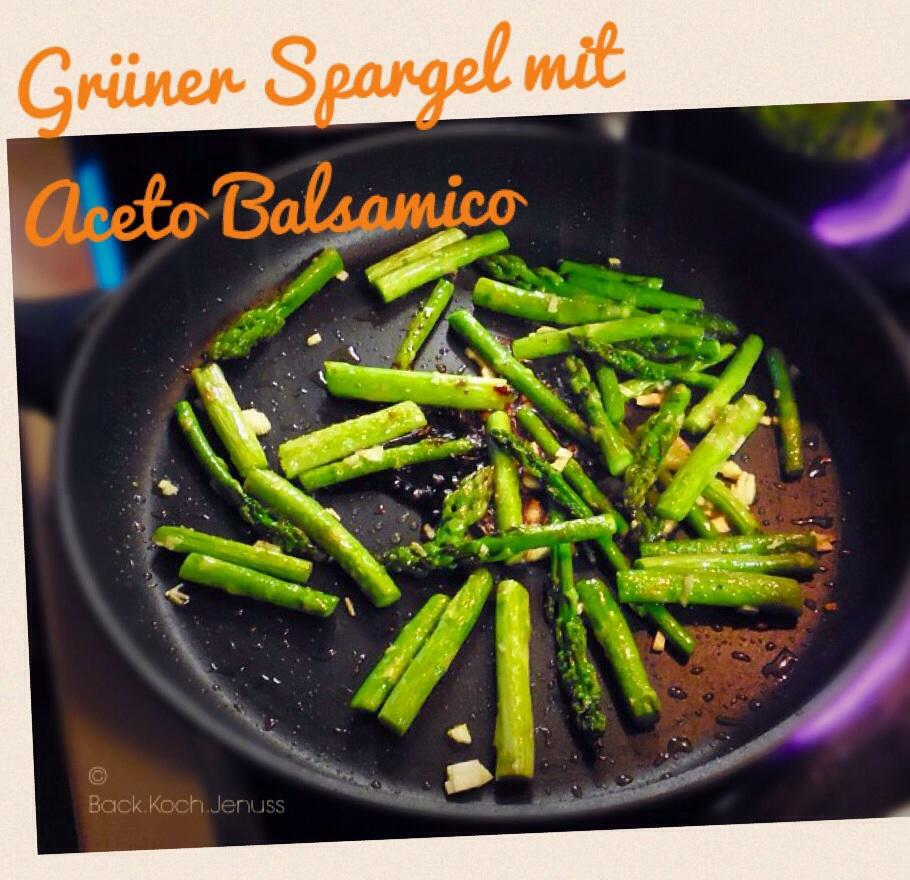 Grüner Spargel aceto balsamico